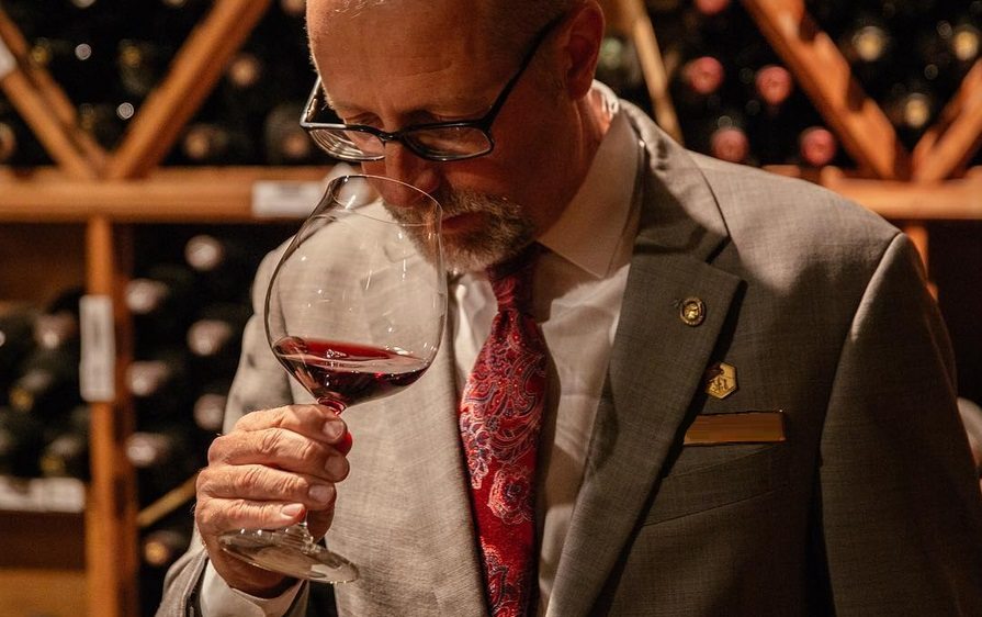 So You Want to be a Wine Connoisseur: Sniff