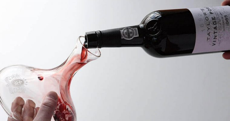 A Perfect Gift: A Wine Decanter